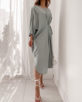 Oversized round neck with buttons details dress