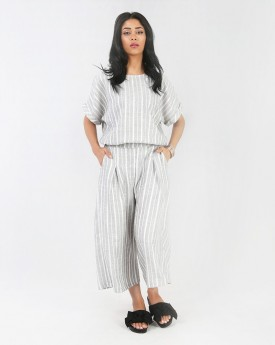 Blouse & Wide Leg Culotte with Pleat Front Detail in Stripe