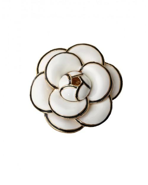 Monochrome flower brooch