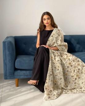 Black wrinkled dress belted with half Kaftan sleeve